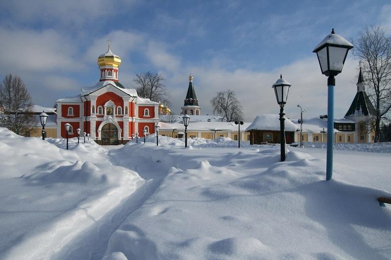 Иверский Святоозёрский монастырь зимой